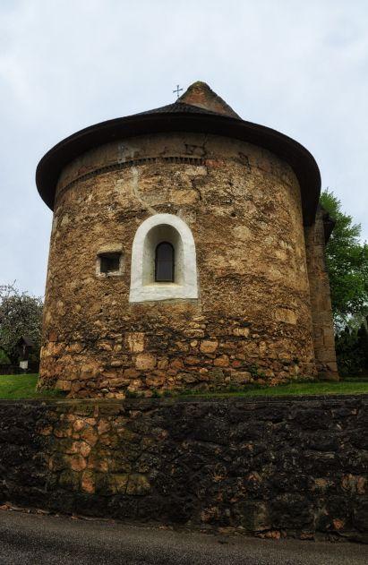 Romanische Kapelle in Straßhof
