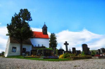 Die Erasmuskirche am Friedhof