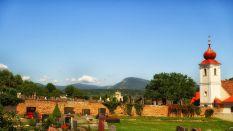 Friedhof und Kirche in St. Valentin