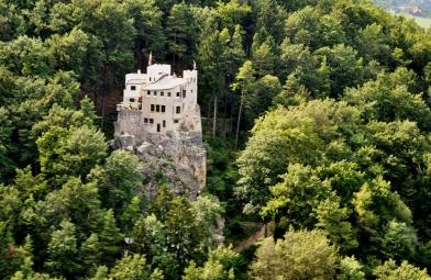 Vorbei an der Burg Grimmenstein
