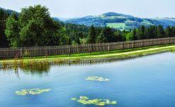 Der schöne Teich und das Panorama können sich sehen lassen!