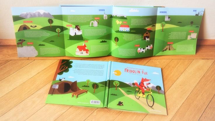 Buch mit Panoramakarte
